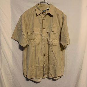 Travelsmith men large tan short sleeve shirt 2662